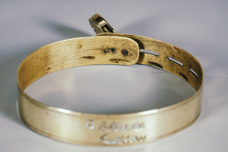 English 19th Century Small Brass Dog Collar with Original Padlock and Key For Sale