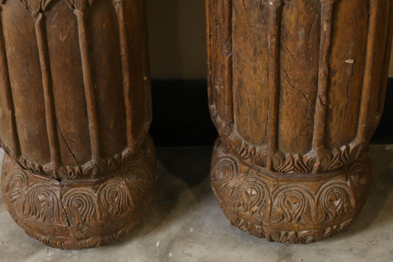 Hand-Crafted 19th Century Solid Teak Wood Indoor Shaped Columns from Chettinad in South India For Sale