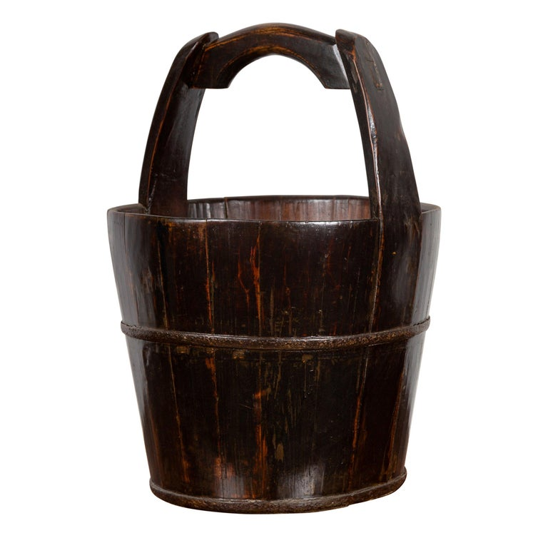 19th Century Southern Chinese Wooden Bucket with Large Handle and Metal Accents For Sale