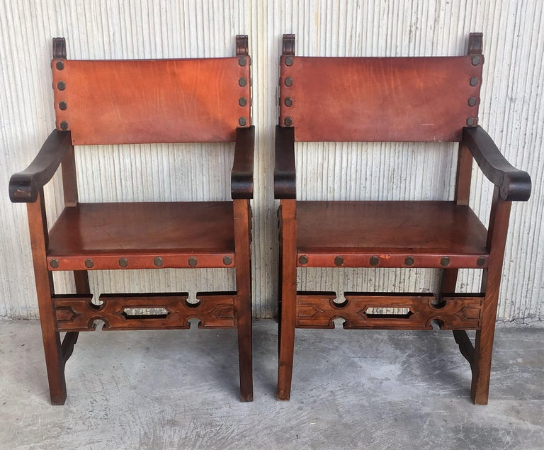 19th Century Spanish Colonial Style Carved Armchairs with Leather In Good Condition For Sale In Miami, FL