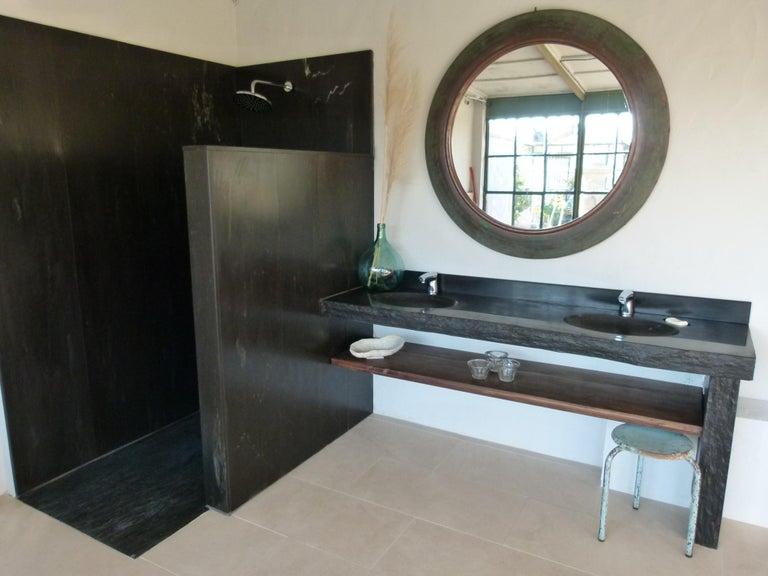 Large elegant circular copper framed mirror that will change your room.  Measures: Diameter 122cm Mirror's diameter 90 cm.