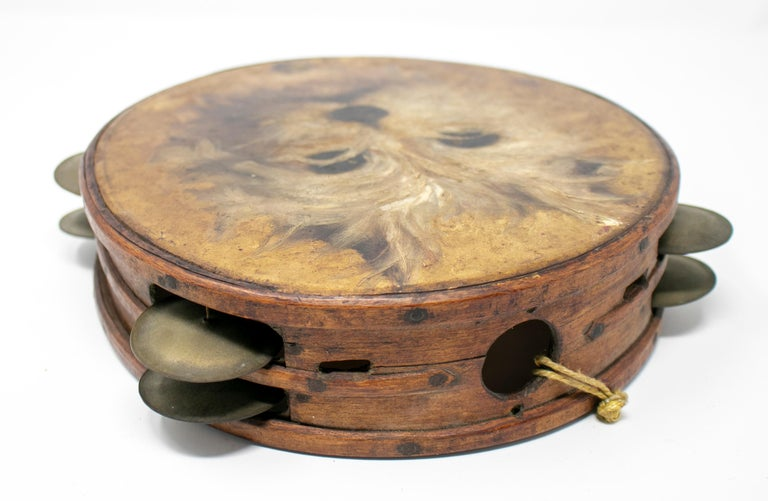 19th Century Spanish Tambourine with Hand Painted Dog Face In Good Condition For Sale In Malaga, ES