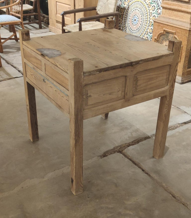 19th Century Spanish Three Drawer Jeweller's Wooden Workbench In Good Condition For Sale In Malaga, ES