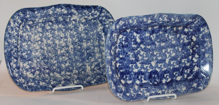 19th Century Sponge Ware Patterned Serving Platters In Excellent Condition For Sale In Los Angeles, CA