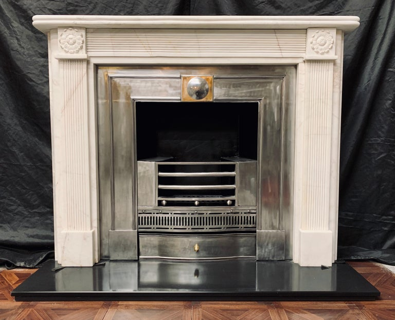 19th Century Statuary Marble Regency Style Carved Fireplace Surround In Good Condition For Sale In Edinburgh, GB
