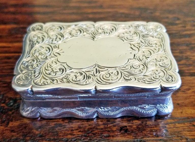 19th Century Sterling Silver Snuffbox Birmingham 1848 by Rolason Bros For Sale 4