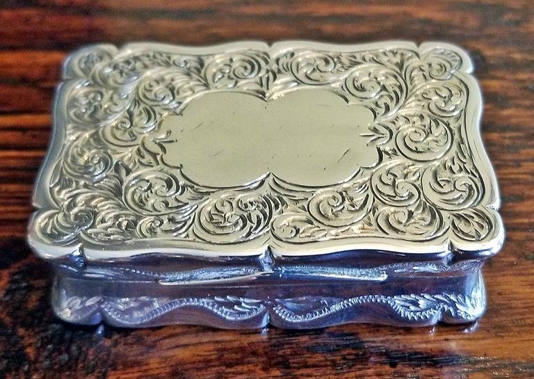 19th Century Sterling Silver Snuffbox Birmingham 1848 by Rolason Bros For Sale 5