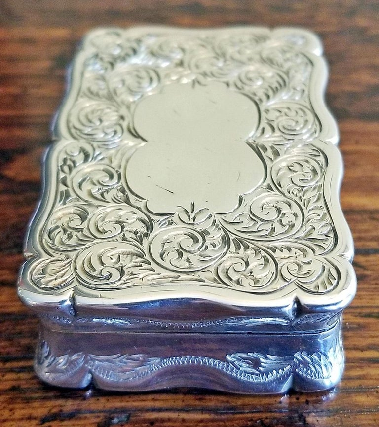 19th Century Sterling Silver Snuffbox Birmingham 1848 by Rolason Bros For Sale 2