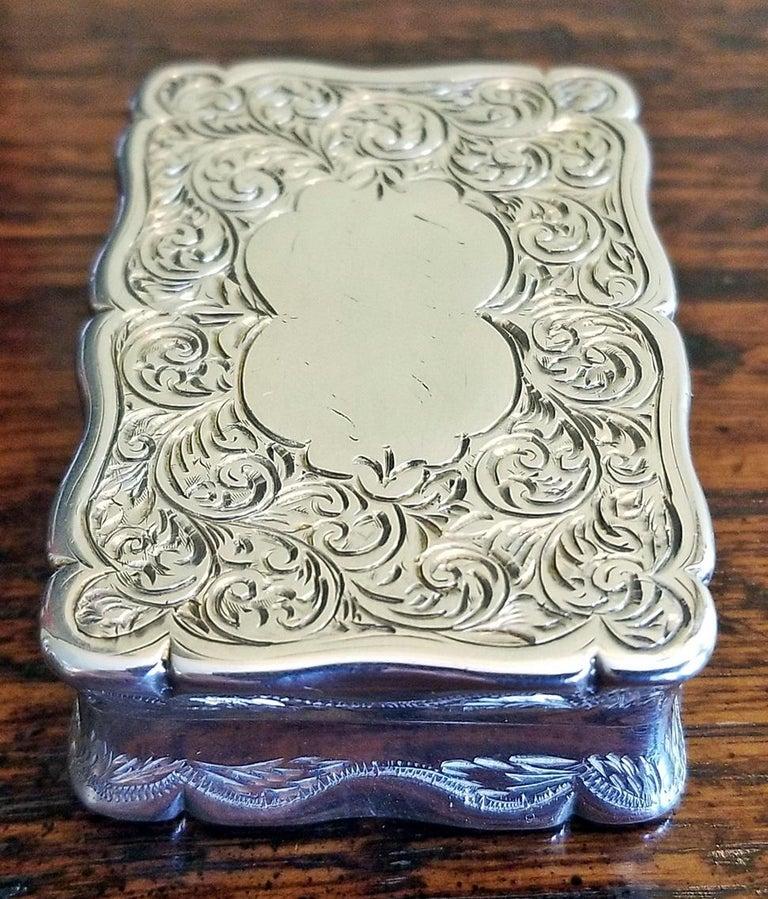 19th Century Sterling Silver Snuffbox Birmingham 1848 by Rolason Bros For Sale 3
