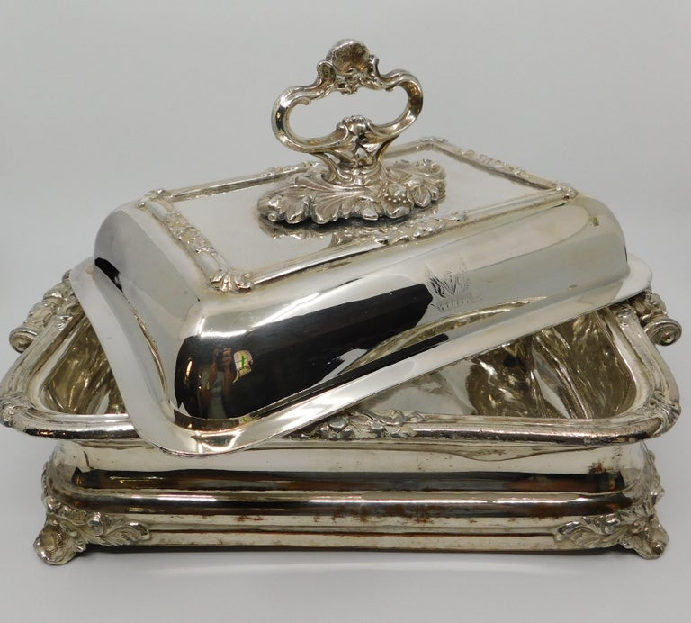 Pair of 19th Century Sheffield Silver Plated Entree Hot Serving Dishes For Sale 4