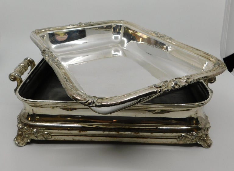 Pair of 19th Century Sheffield Silver Plated Entree Hot Serving Dishes For Sale 6