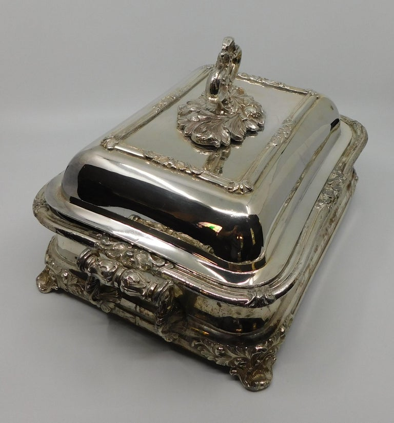 Pair of 19th Century Sheffield Silver Plated Entree Hot Serving Dishes For Sale 2