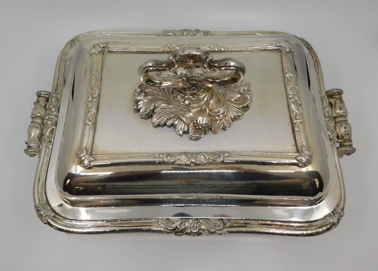 Pair of 19th Century Sheffield Silver Plated Entree Hot Serving Dishes For Sale 3