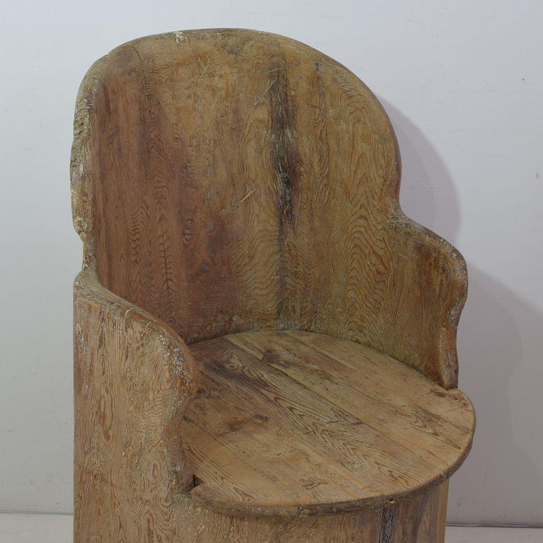 19th Century Swedish Folk Art Dug Out Pine Tree Chair For Sale 7