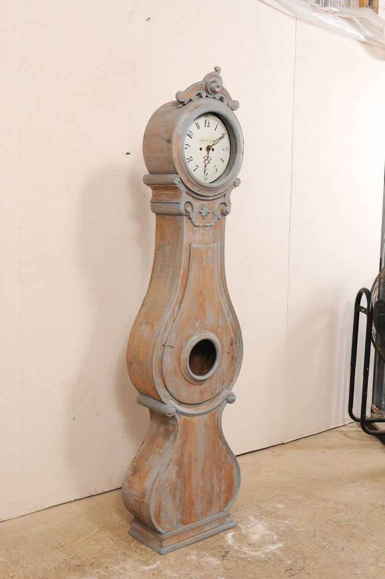 Gustavian 19th Century Swedish Fryksdahl Clock with Nicely Carved Crest and Blue Trim For Sale