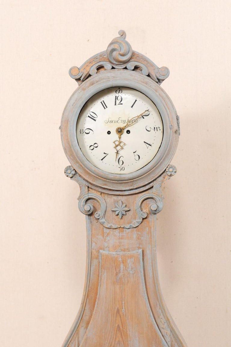 Metal 19th Century Swedish Fryksdahl Clock with Nicely Carved Crest and Blue Trim For Sale
