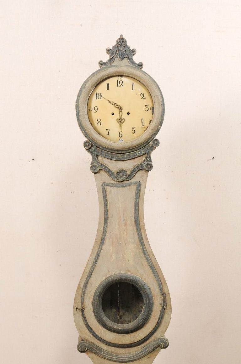 19th Century Swedish Fryksdahl Painted Wood Floor Clock with Carved Crest In Good Condition For Sale In Atlanta, GA
