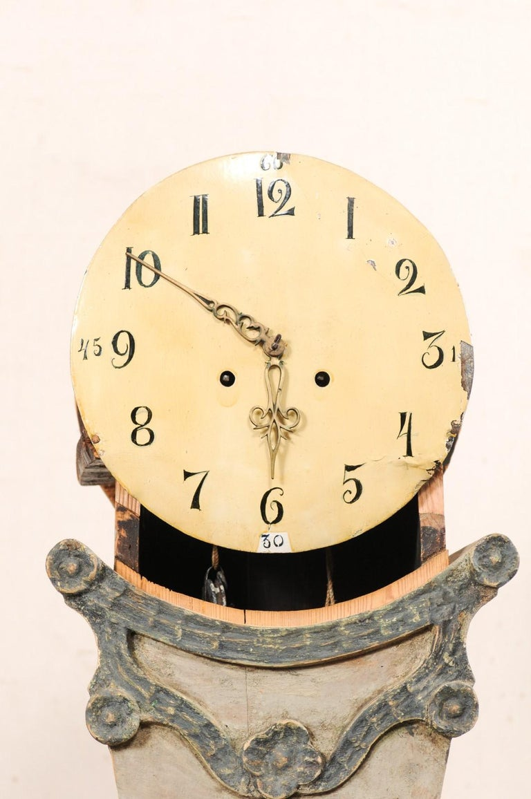 19th Century Swedish Fryksdahl Painted Wood Floor Clock with Carved Crest For Sale 5