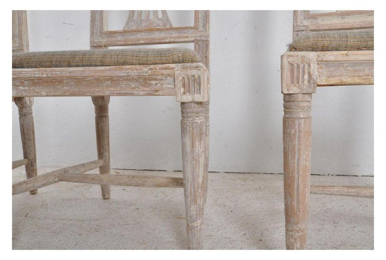 19th Century Swedish Gustavian Period Set of Four Chairs in Original Paint In Good Condition For Sale In Wichita, KS
