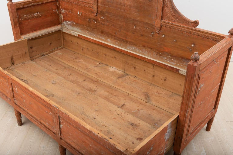 19th Century Swedish Gustavian Sofa For Sale 1