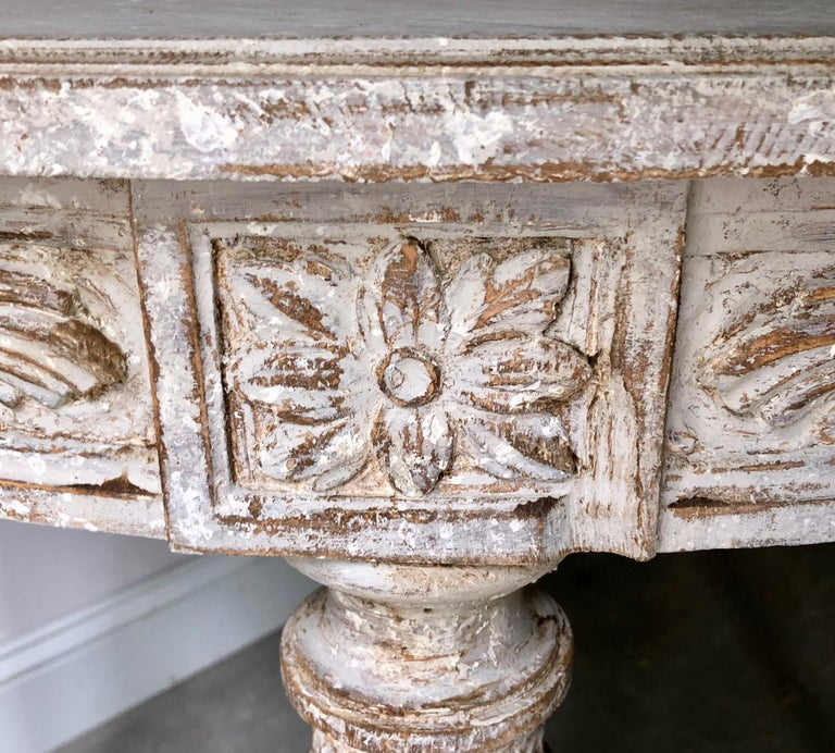 19th Century Swedish Gustavian Style Centre Table In Good Condition For Sale In Charleston, SC