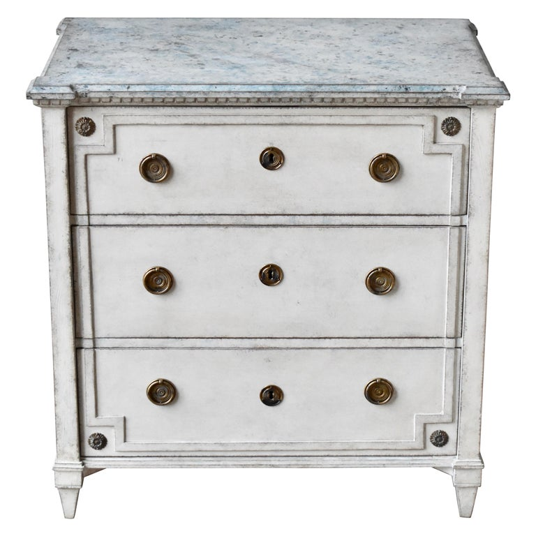 19th Century Swedish Gustavian Style Chest of Drawer For Sale