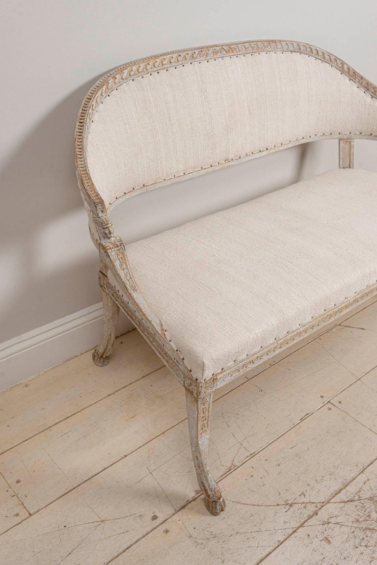 19th Century Swedish Gustavian Two-Seat Swedish Sofa with Decorative Detail In Good Condition For Sale In London, GB