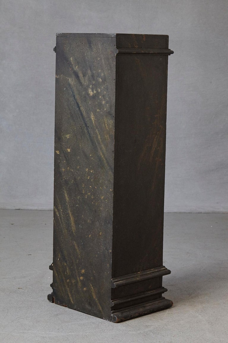19th Century Swedish Hand-Painted Pedestal with Faux Marbleized Pattern For Sale 1
