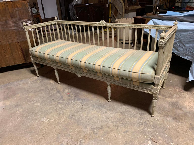 Hand-Painted 19th Century Swedish Painted Bench / Daybed / Sofa For Sale