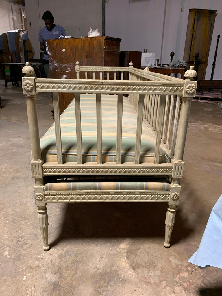 19th Century Swedish Painted Bench / Daybed / Sofa In Good Condition In Atlanta, GA