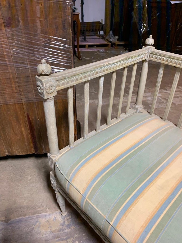 19th Century Swedish Painted Bench / Daybed / Sofa 1