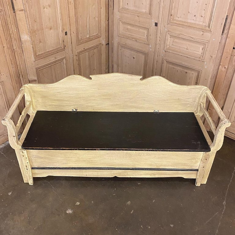 19th Century Swedish Painted Hall Bench, Trundle Bed For Sale 1
