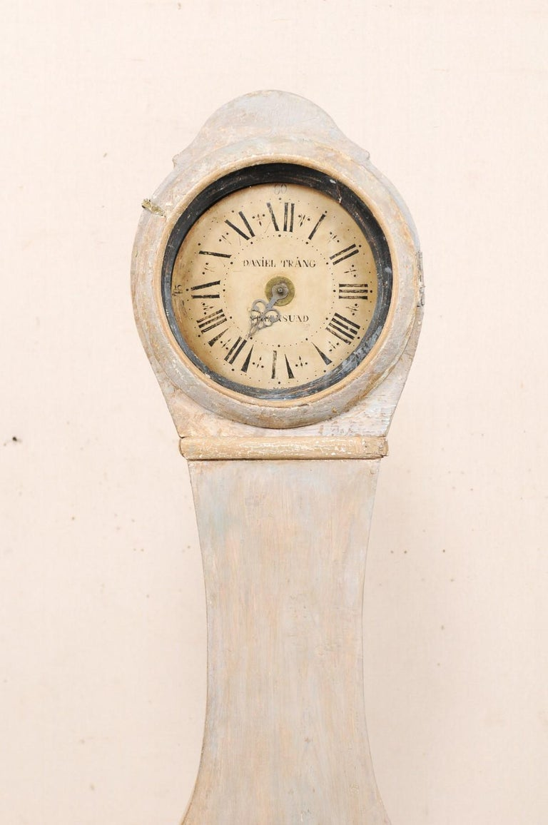 Carved 19th Century Swedish Painted Wood Floor Clock in Soft Cream Color For Sale