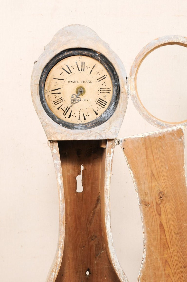 19th Century Swedish Painted Wood Floor Clock in Soft Cream Color For Sale 1