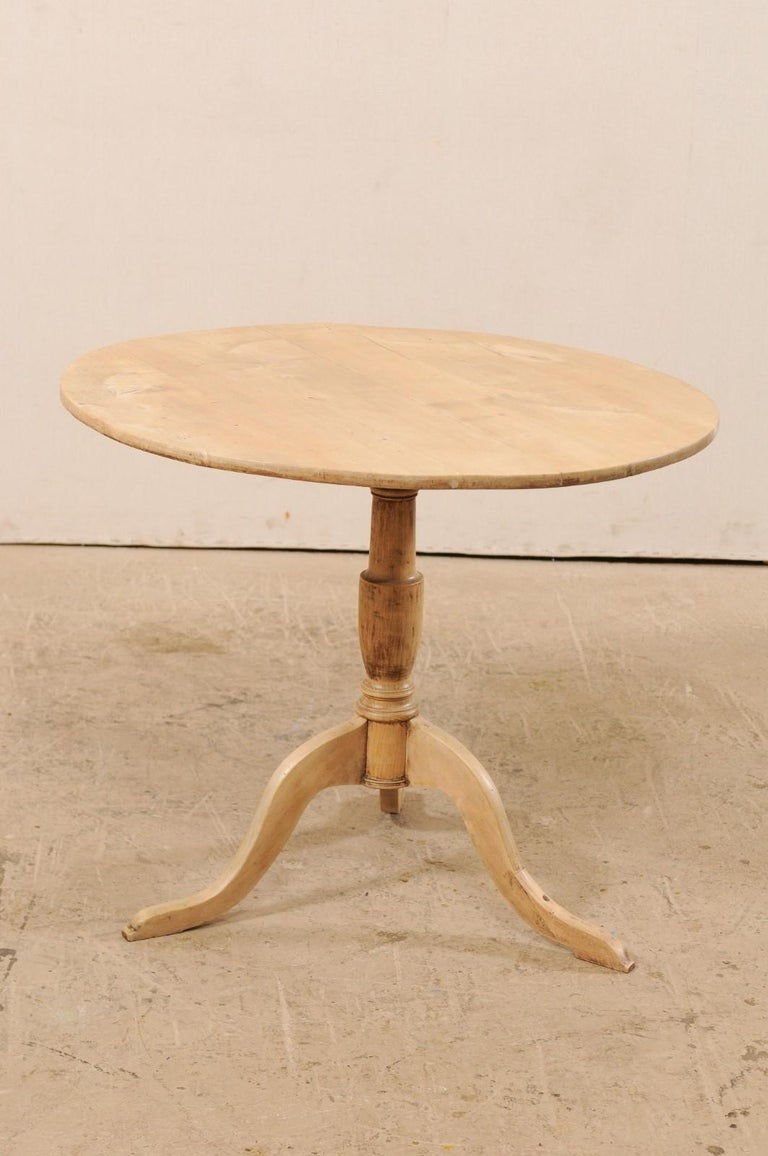 19th Century Swedish Round Bleached Wood Tilt-Top Guéridon Table For Sale 2