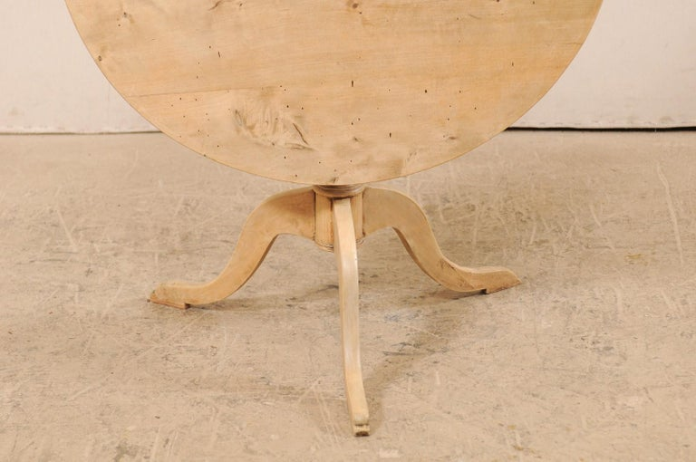 19th Century Swedish Round Bleached Wood Tilt-Top Guéridon Table For Sale 6