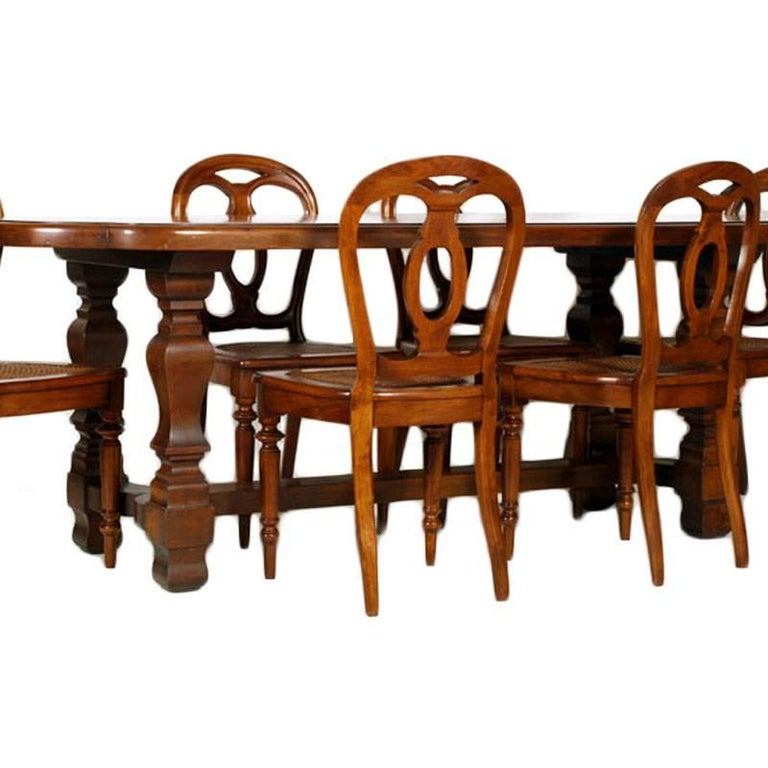 They can be sold separately Italy 18th century majestic dining room set, baroque renaissance, table and six chairs, all in solid walnut restored and polished to wax. On request the chairs can be sold separately from the table. Sturdy table and