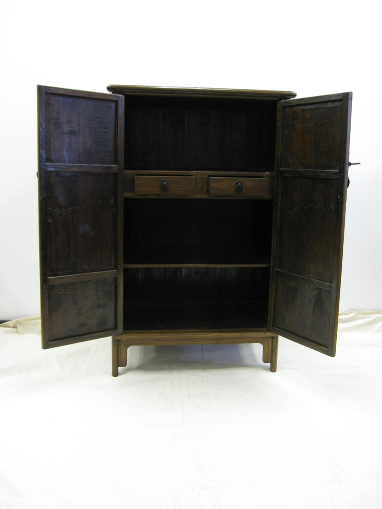 19th Century Tapered Cabinet In Good Condition For Sale In New York, NY