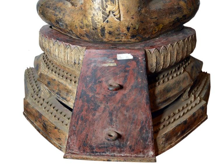 19th Century Thai Gilded Bronze Meditative Seated Buddha Statue on Pedestal For Sale 7
