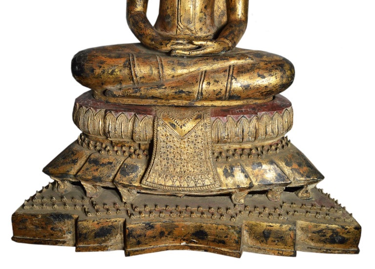 19th Century Thai Gilded Bronze Meditative Seated Buddha Statue on Pedestal In Good Condition For Sale In Yonkers, NY