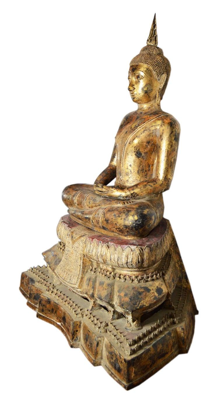 19th Century Thai Gilded Bronze Meditative Seated Buddha Statue on Pedestal For Sale 2