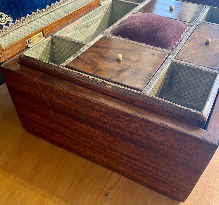 19th Century Trinity House Inlaid Rosewood Sewing Box, circa 1870 For Sale 3