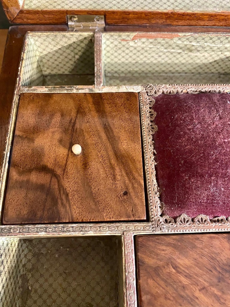 19th Century Trinity House Inlaid Rosewood Sewing Box, circa 1870 For Sale 1