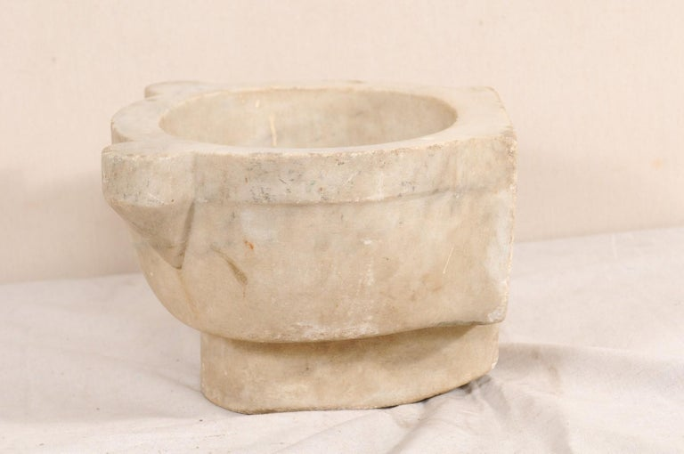 19th Century Turkish Hammam Wash Basin of Hand-Carved Marble For Sale 3