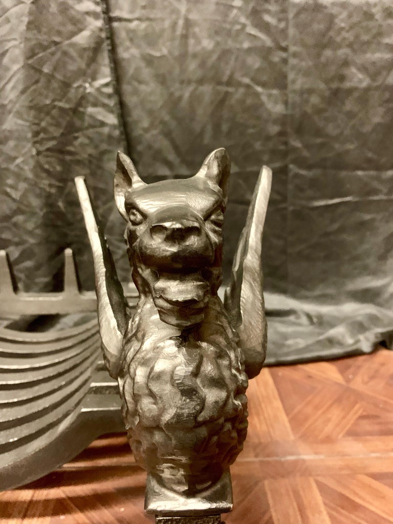 19th Century Victorian Cast Iron Griffin Fire Grate For Sale 1