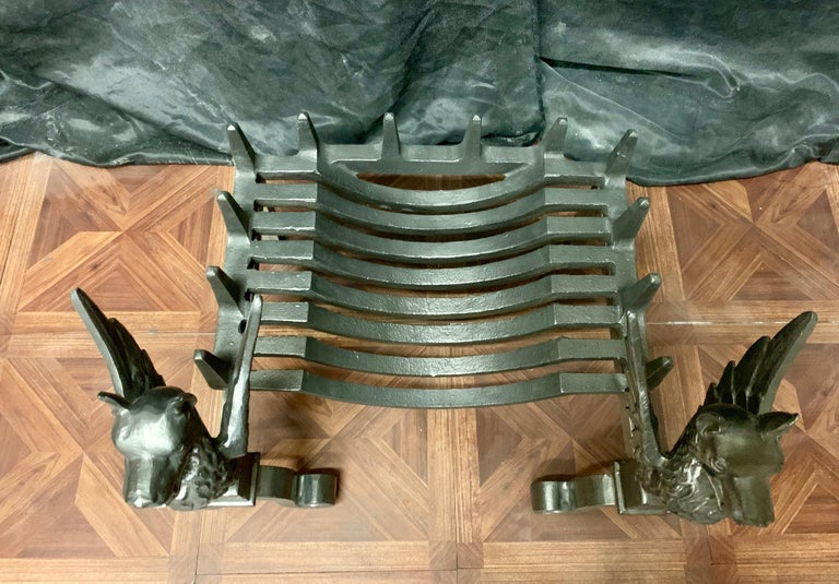 19th Century Victorian Cast Iron Griffin Fire Grate For Sale 2