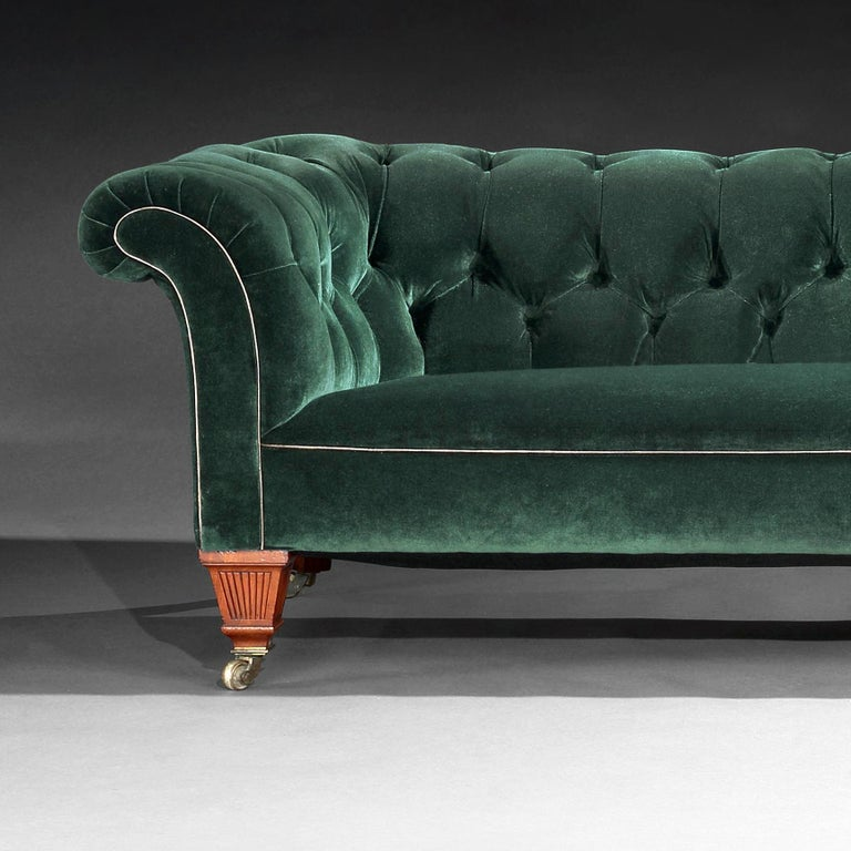 19th Century Victorian Chesterfield Sofa Upholstered in a Green Velvet C Hindley In Good Condition In Benington, Herts
