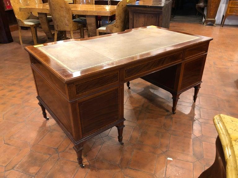 Late Victorian 19th Century Victorian Mahogany Center Desk, 1890s For Sale