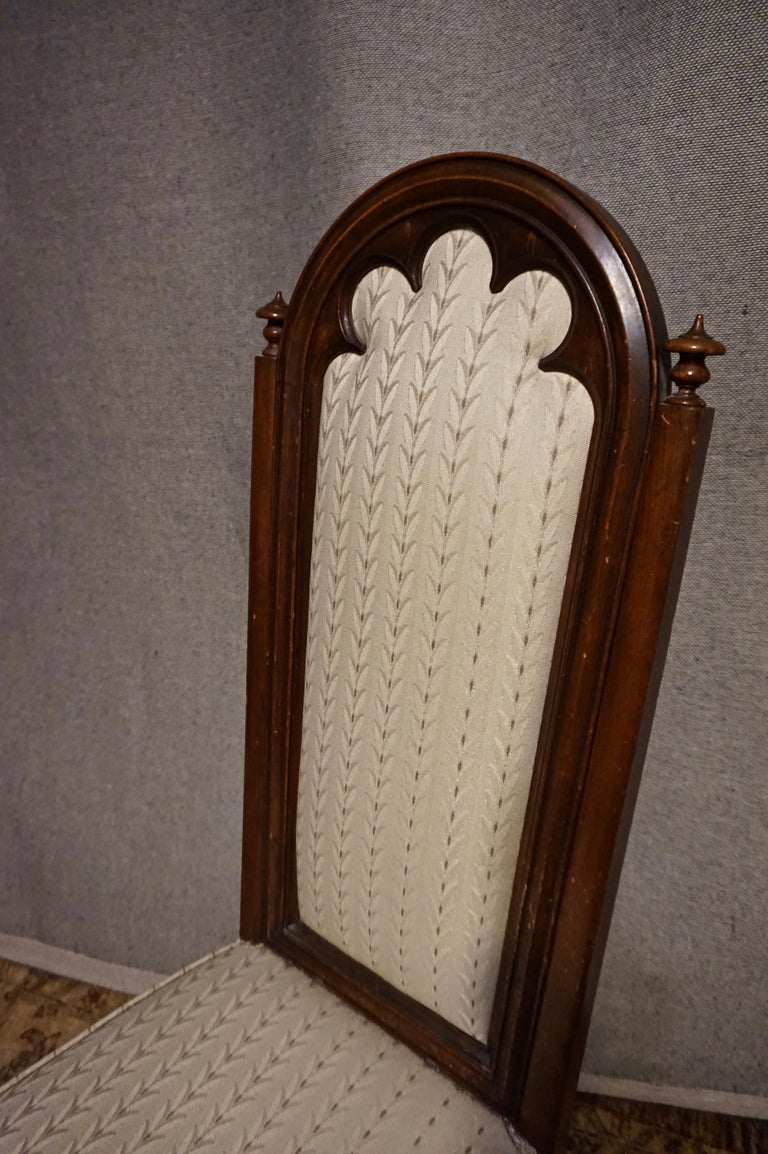 English 19th Century Victorian Mahogany Gothic Prayer Slipper Chair For Sale