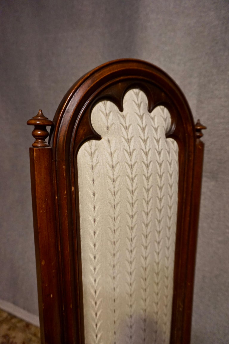 19th Century Victorian Mahogany Gothic Prayer Slipper Chair For Sale 1